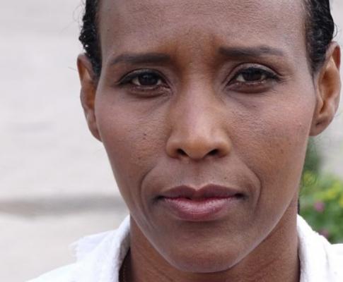 Exmoslimka Mona Walter : Odvážne svedectvo z islamistického Švédska